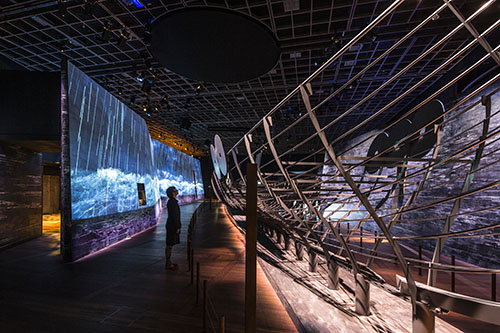 Experiencing a Viking ship threatened by a storm. Photo: National Museum of Denmark.