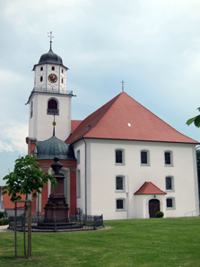 The municipal church St. Martin, monument for Conradin Kreutzer in front of it. Photograph: KW.