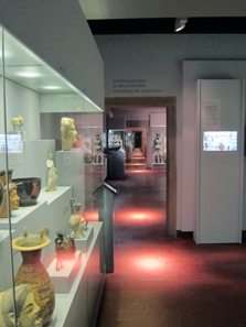 A view into the exhibition. Photo: KW.