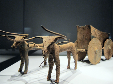 Mesopotamia. Ox-drawn cart, 2nd half of the 3rd millennium BCE. Photo: KW.