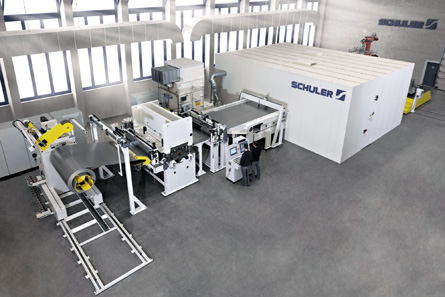 Schuler reached its sales and earnings targets in fiscal year 2012/13. With new products, like the Laser-Blanking- Line, the press manufacturer is enjoying international success. Source: Schuler.