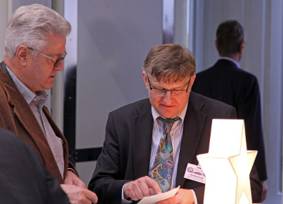 On the right: Christoph Walczak, organizer of the coin show Hannover.