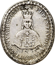3231: Nonnberg near Salzburg. Silver pendant, upright oval, c. 1682 from the Seel workshop. Bust reliquiary of St. Ehrentrud of Nonnberg, signed P-S. Rev. Shield of St. Benedict. 38x33.5 mm. Holed, to be worn. Very fine. Estimate: 100 euros.