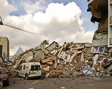 The Cologne City Archive shortly after the collapse. Photograph: Frank Domahs / Wikipedia.