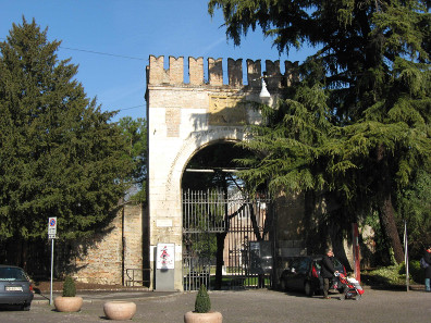 The entrance to the so-called Arena Romana in Padova, the remainings of the Roman amphitheatre. Photograph: Filippof / https://creativecommons.org/licenses/by-sa/3.0/deed.en