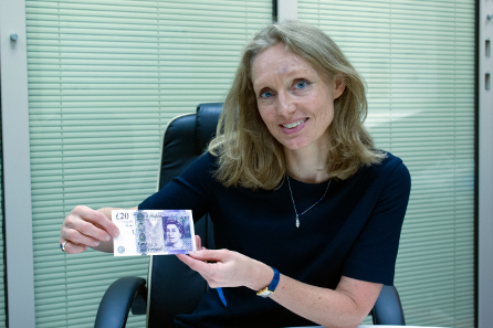 Victoria Cleland and the new Cleland £20 note. Photographer: James Oxley. © Bank of England.
