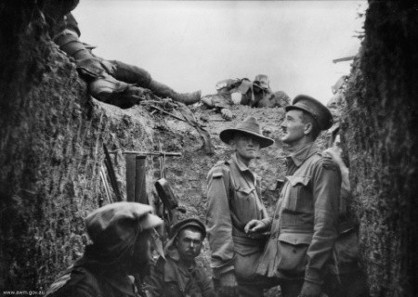 Captain Leslie Morshead in a trench at Lone Pine after the battle (1915). Source: Wikipedia.