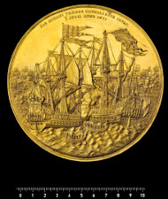 Probably one of the most famous objects of the Coin Cabinet: eepresentational medal of 360 ducats, struck in 1677, of Christian V in celebration of his victories at sea. Photo: National Museum of Denmark, John Lee.