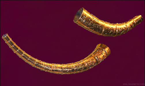Copies of the Golden Horns of Gallehus. Photo: Malene Thyssen / Wikipedia.