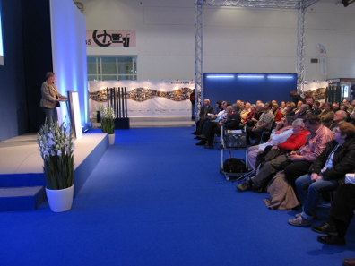 Ursula Kampmann in the lecture hall of the Munich Show. Photograph: KW.