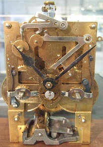 Historical clockwork. Photo: HNH (by courtesy of www.deutsches-uhrenmuseum.de of 10/12/2008) / https://creativecommons.org/licenses/by-sa/3.0/deed.de