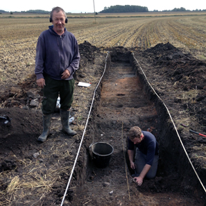 The detectorist Graham Vickers (l.) and his PAS contact archaeologist Adam Daubney. Photo: University of Sheffield.