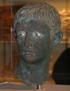 Bronze head of Octavian, found in Meroe in Nubia. Photo: Steve F-E-Cameron / Louis le Grand / https://creativecommons.org/licenses/by-sa/3.0/deed.en