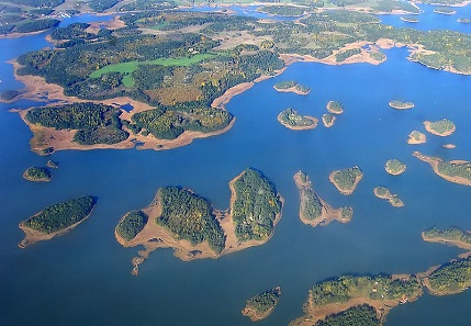 An aerial photograph of Naantali Archipelago, Finland. Photo: Plenz / https://creativecommons.org/licenses/by-sa/3.0/deed.en