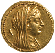 So-called Mnaieion (equal to 100 silver drachms). Ptolemy II Philadelphus for Arsinoe II, minted between 253-246 B.C. in Egypt. Octuple gold drachm = 100 silver drachms (27.95g). Inv.-No. GR 23513, dia. 27.95mm. © KHM-Museumsverband.
