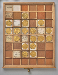 Drawer with Bohemian gold coins. © KHM-Museumsverband.