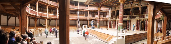 Indoor panorama from the Shakespeare's Globe Theater in London. Photo: Maschinenjunge / http://creativecommons.org/licenses/by-sa/2.5