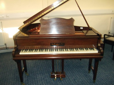A piano from the renowned house John Broadwood&Sons, London, ca. 1929. Photo: pianomap/Wikimedia Commons / CC BY 2.0