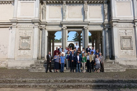 The attendees of the congress in the Villa Giulia. Photo: UK.
