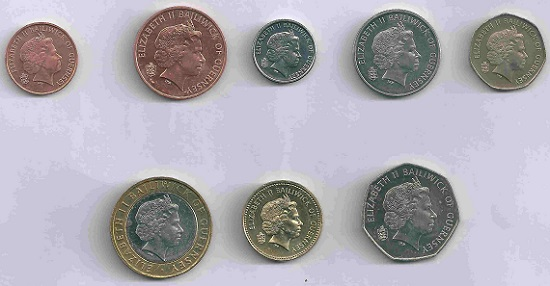 Legal tender only on the Channel Island, Guernsey's regional currency features some of it typical motifs, next to The Queen and its coat of arms.