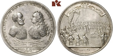 Karl Wilhelm Friedrich (1729-1757). Silver medal 1730 by Georg Wilhelm and Andreas Vestner. Estimate: 7,500 euros. Aus Auktion Künker 297 (27. September 2017), Nr. 3276. – The reverse inscription translates as: Presented to the Emperor in Augsburg, the most holy faith has begun to shine again and will shine for eternity, shining in its own light.