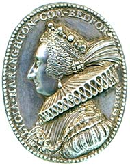 Medal featuring the portrait of Lucy Harrington. Image: Fitzwilliam Museum.