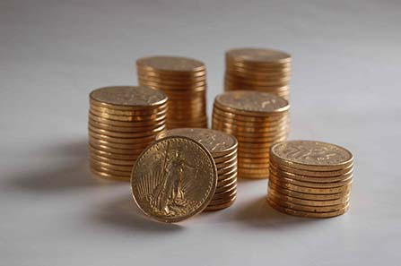 The gold coins of the Hackney treasure are estimated at about 100.000 pounds. Photo: Hackney Council.