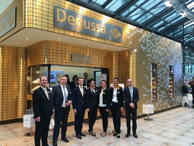 Degussa employee from the gold sales department.