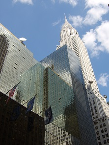 The Grand Hyatt in the shade of the Chrysler Building. Photo: Nicolai Schäfer a. k. a. Nize, BY-CC 2.0.
