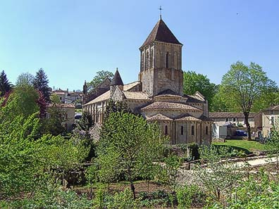 Fig. 8: Saint-Hilary is the most important of three Romanesque churches that were visited by the pilgrims in Melle once. A pilgrims? hospital was attached where the worshippers could regain their strength for a couple of days.
