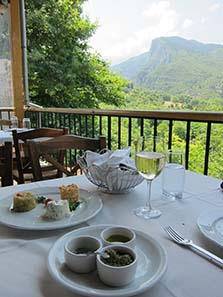 Highlight of a trip to Mount Olympus: a visit to Gastrodromio. Photograph: KW.