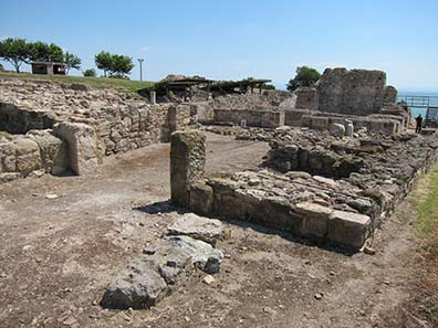 Byzantine basilica of Kitros, ancient Pydna. Photograph: KW.
