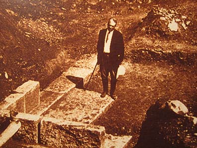 D. M. Robinson on the archaeological excavation of Olynth. Photograph: KW.