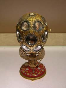 Romanov Tercentenary Egg by Fabergé 1913 under the guidance of Henrik Wigström. Source: Wikipedia.