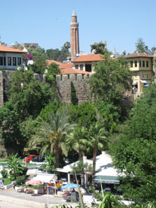 View over Antalya's well reconstructed historic city. Photo: KW.