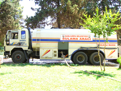 Water trucks carry the precious liquid into the recreation area. Photo: UK.