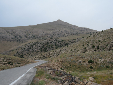 The road to Mount Nemrut. Photograph: KW.