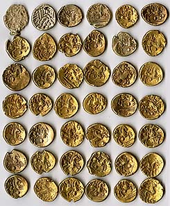 Most gold staters in the Buckingham hoard are early Whaddon Chase type, possibly minted by Cassivellaunus c.53-51 BC as tribute money. Picture source: R. Tyrrell, Bucks County Museum/PAS.
