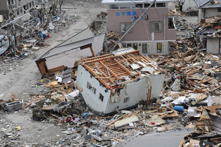 Devastations in the town of Ofunato on March 15, 2011. Photo: U.S. Navy / Wikipedia.