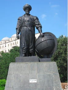 Statue of Turgut Reis, an important Ottoman admiral who had raided Italy a couple of times. His statue is standing in front of Topkapi Serail today. Photograph: KW.