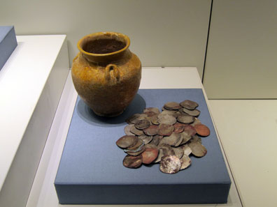 Coin hoard from Tiberias, buried between 952 and 977. Photo: UK.