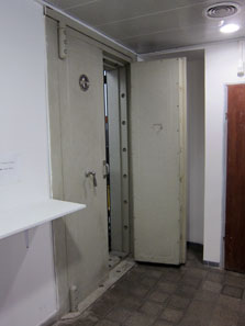 The entrance to the safe. Photo: UK.