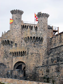 The entrance to the Castle of Ponferrada. Photo: KW.