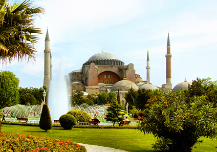 The Hagia Sophia in Istanbul. Photo: Roweromaiak / Wikipedia.