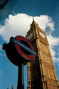 The London Underground sign for Westminster tube station against the Big Ben clock tower of the Houses of Parliament in 2002. Photo: Yottanesia / http://creativecommons.org/licenses/by/3.0/deed.en