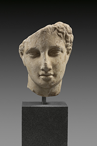 2 Marble head of a youth. End 5th to 1st half 4th cent. BC. Estimate: 10.000 Euro. Final Price: 70.800 Euro